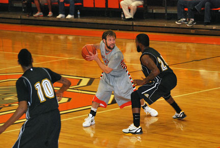4th MBB vs. Reinhardt Photo