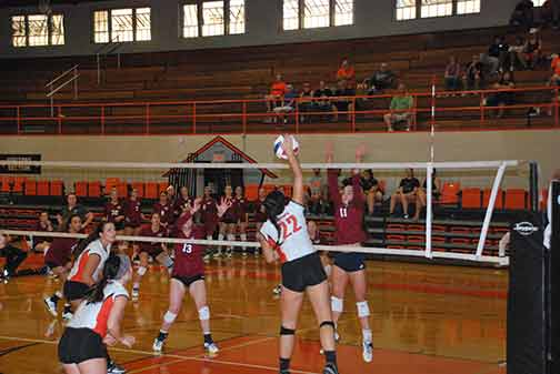 26th Volleyball vs. St. Thomas Photo