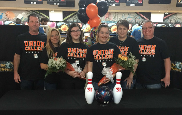 Photo for Bulldogs Add Pair of Jacksonville Bowlers to Roster
