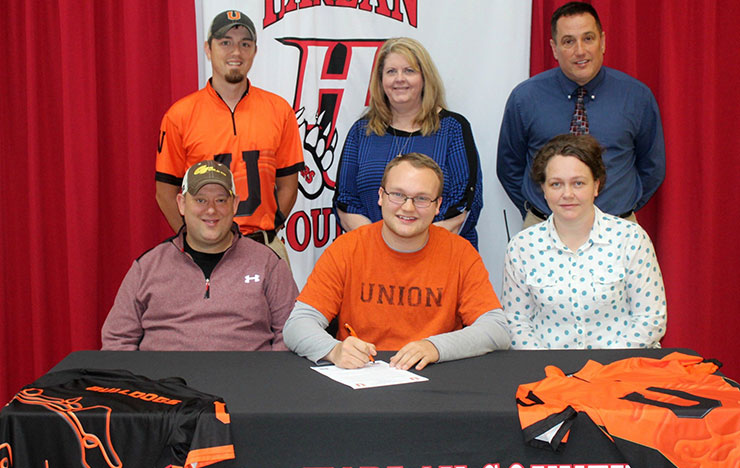 Photo for Bulldogs Add Harlan County Archer