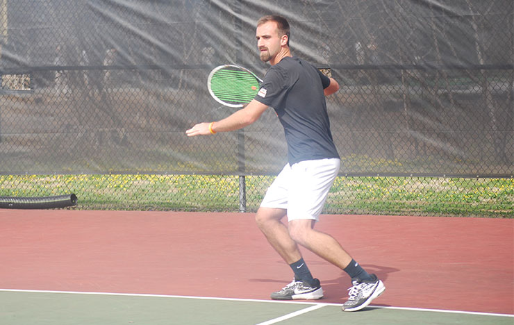 Photo for Union Tennis Drops Close Matches to TWU