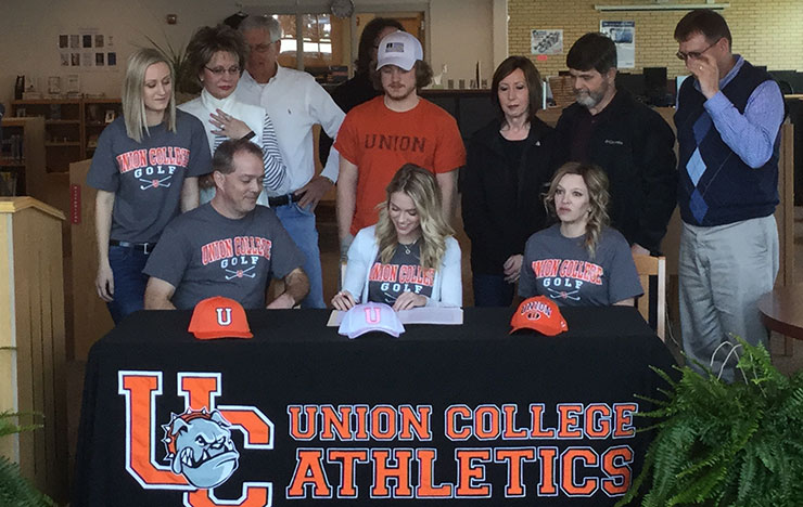 Photo for Murray Signs on with Union Women's Golf Program