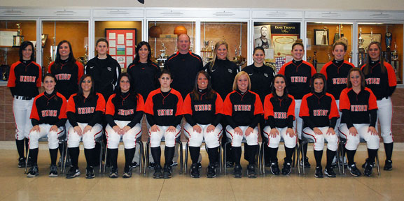 2010 Softball Team Photo