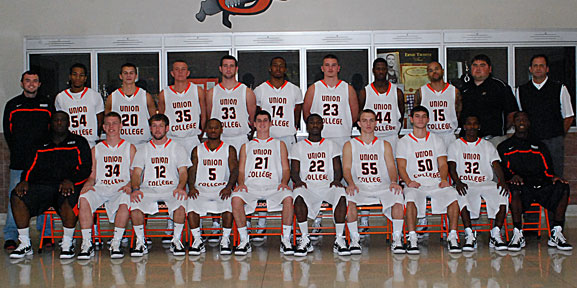 2010-11 Men's Basketball Team Photo